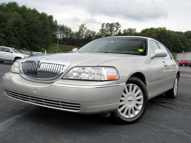North Georgia Ford - Used 2005 Lincoln Town Car
